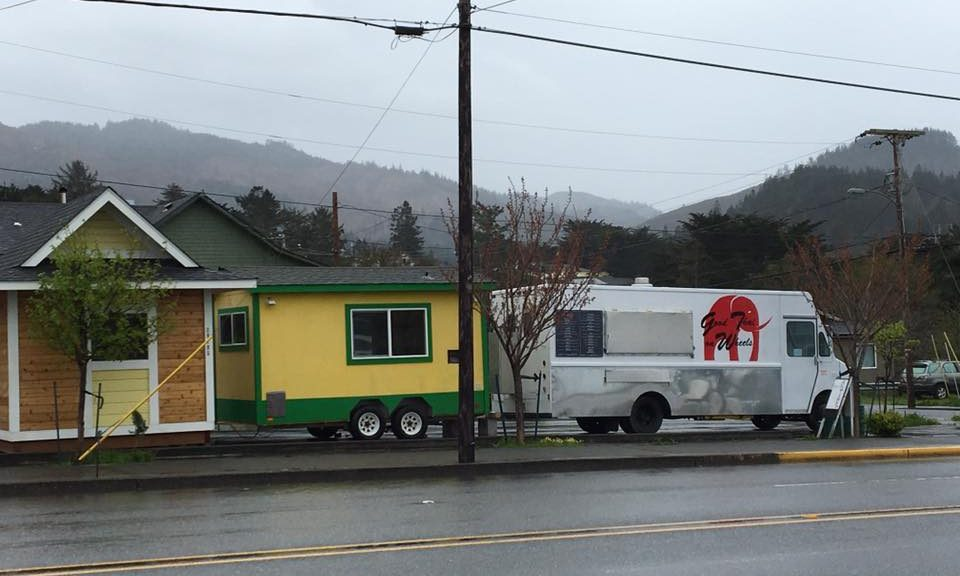 Gold Beach food carts